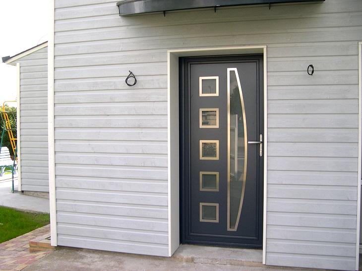 La porte en aluminium design et résistance