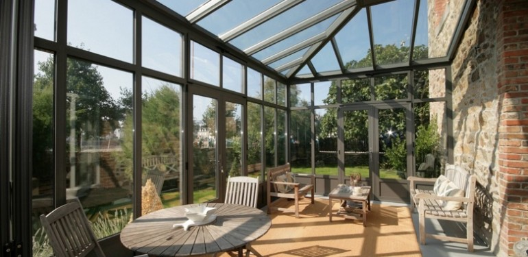 toiture en verre pour faire toute la lumi re sur votre logement. Black Bedroom Furniture Sets. Home Design Ideas