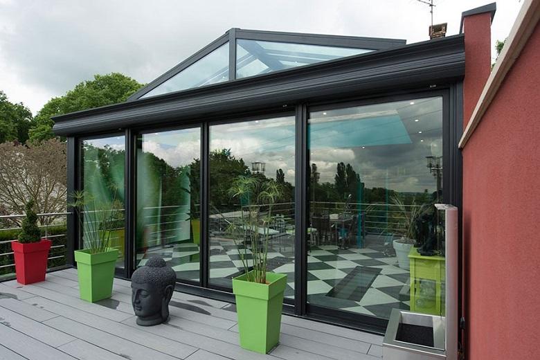 Transparence totale sur la toiture en verre 3