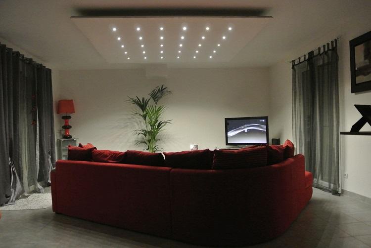 Dalle led plafond et spot led pour l'éclairage intérieur