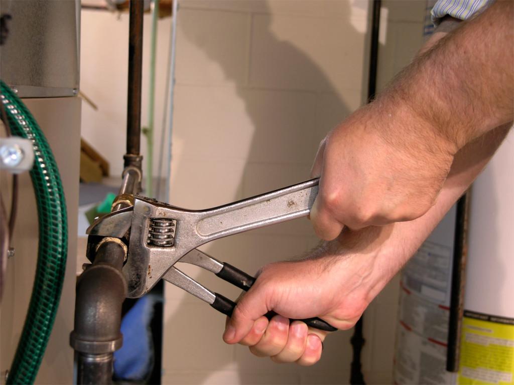 Comment répare-t-on une fuite d'eau ?