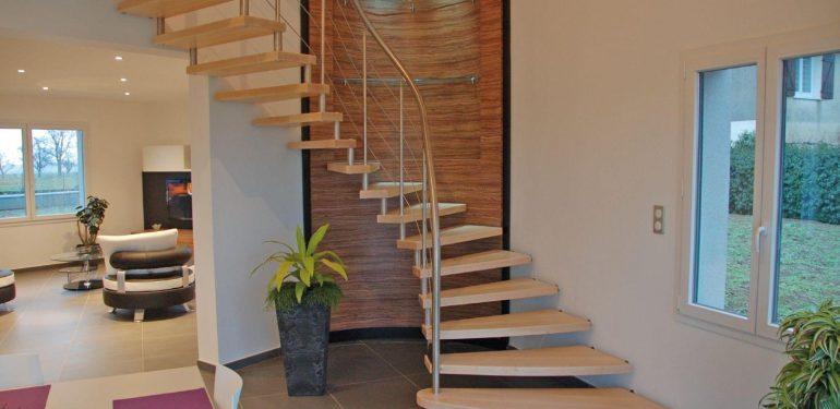 Escalier design et efficace pour la décoration et la ...